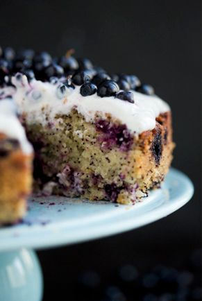 Vegan Blueberry Lemon Almond Cake | The Green Loot #vegan #teaparty