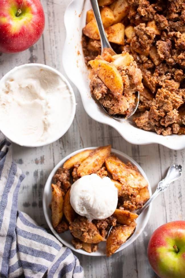 Maple Pecan Apple Crisp
