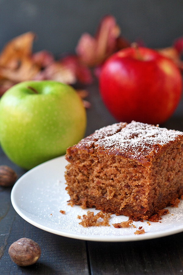 Vegan Amazing Applesauce Cake