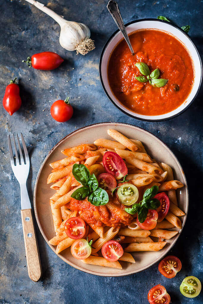 Vegan Pasta in Fresh Tomato Sauce