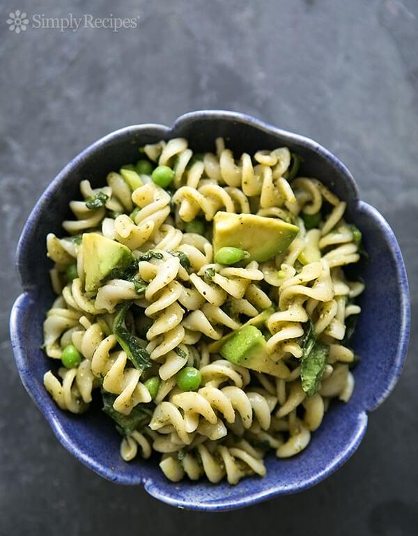 Vegan Pesto Pasta with Spinach and Avocado