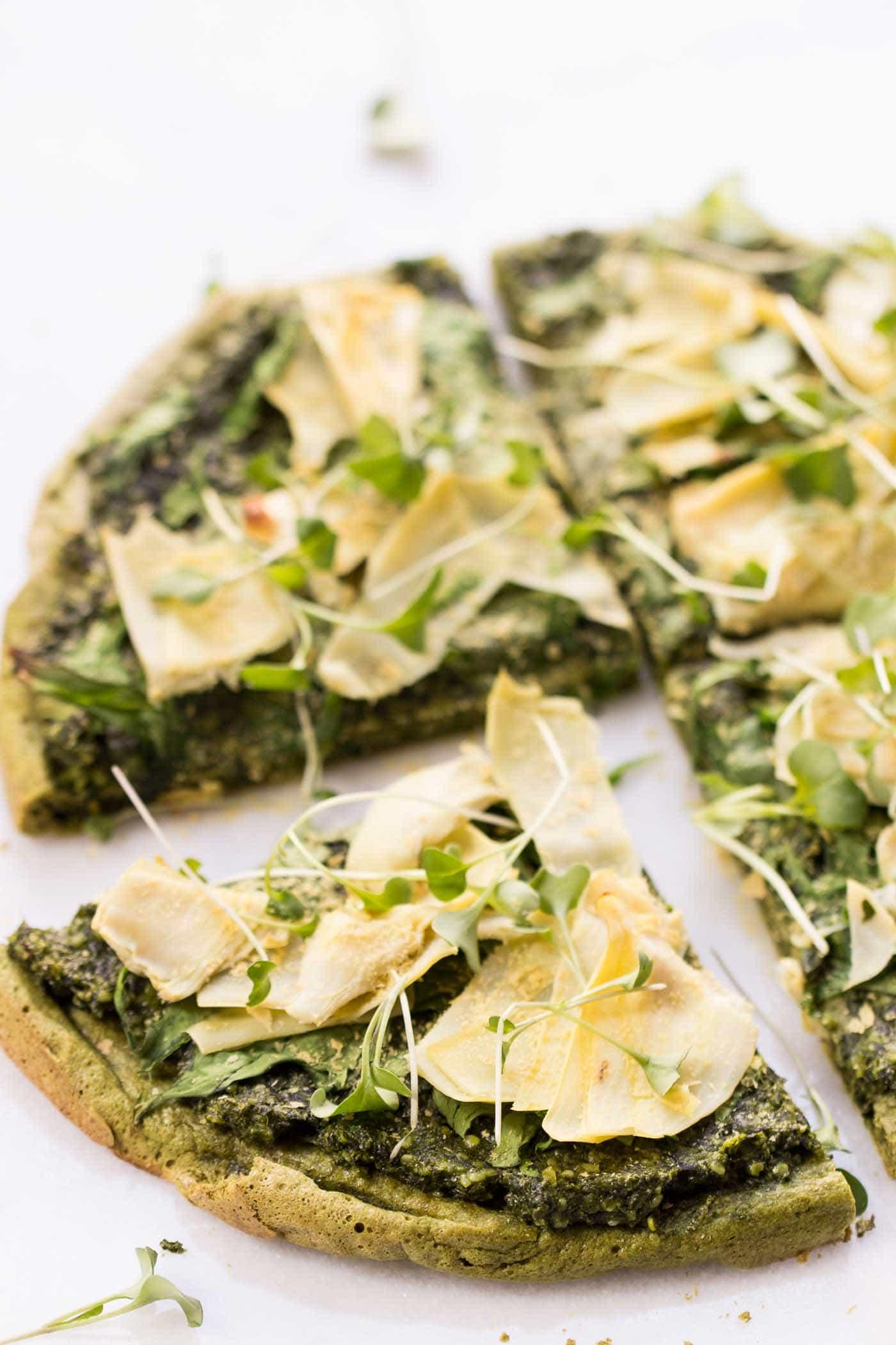 Vegan Quinoa Pizza Crust with Pesto | The Green Loot #vegan #healthy #weightloss