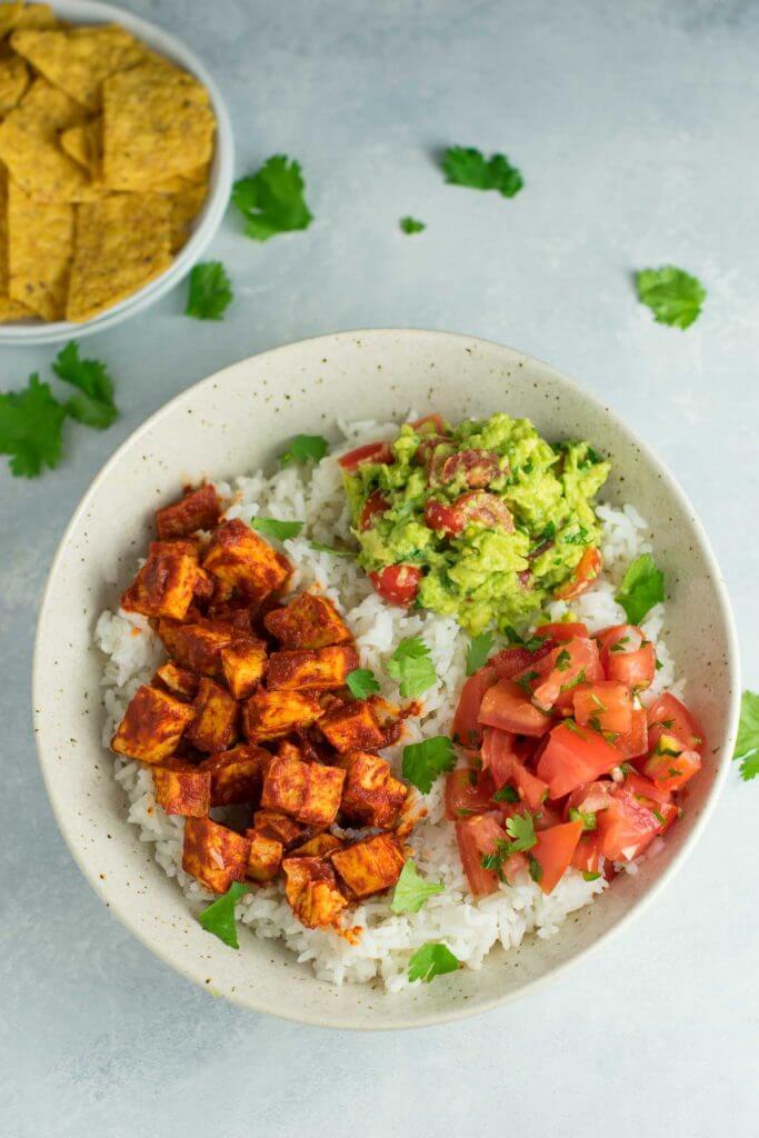 Vegan Enchilada Tofu Burrito Bowls | The Green Loot #vegan #healthy #weightloss