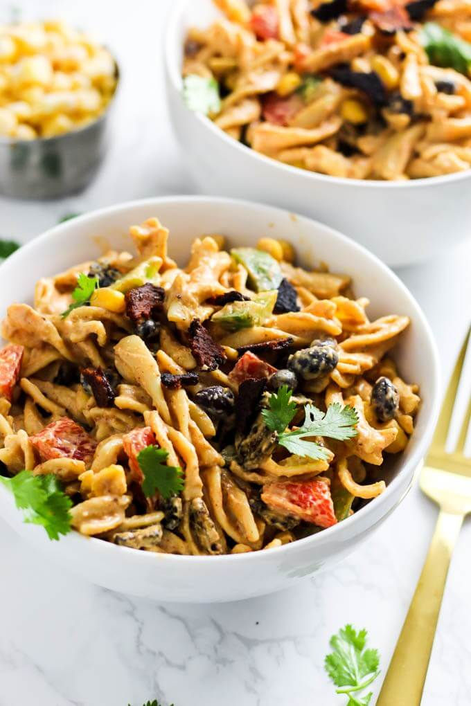 Vegan Creamy Mexican Pasta Salad // Healthy Vegan Mexican Recipes for Dinner