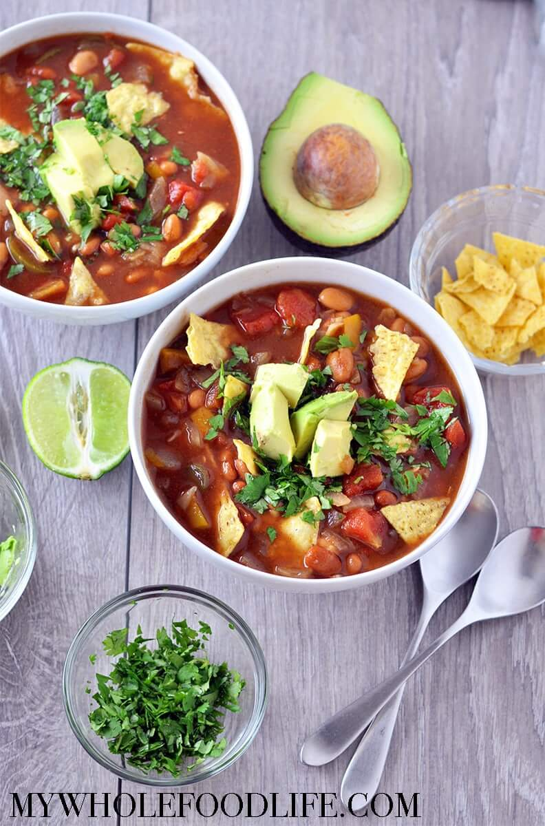 Vegan Slow Cooker Tortilla Soup // Healthy Vegan Mexican Recipes for Dinner