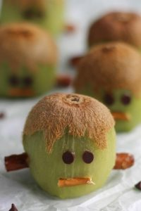 Vegan Frankenstein Kiwis // Vegan Halloween Treats, Snacks, Recipes