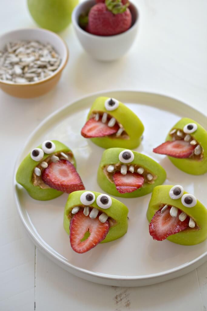 Vegan Halloween Fruit Monster Treats // Vegan Halloween Treats, Snacks, Recipes