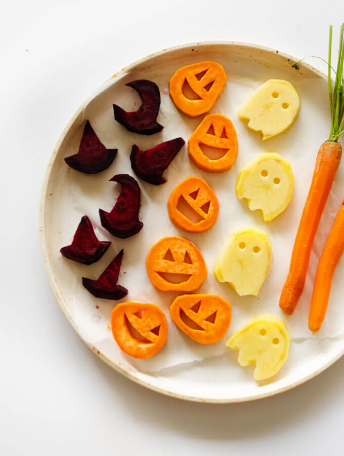 Vegan Halloween Roasted Veggies // Vegan Halloween Treats, Snacks, Recipes