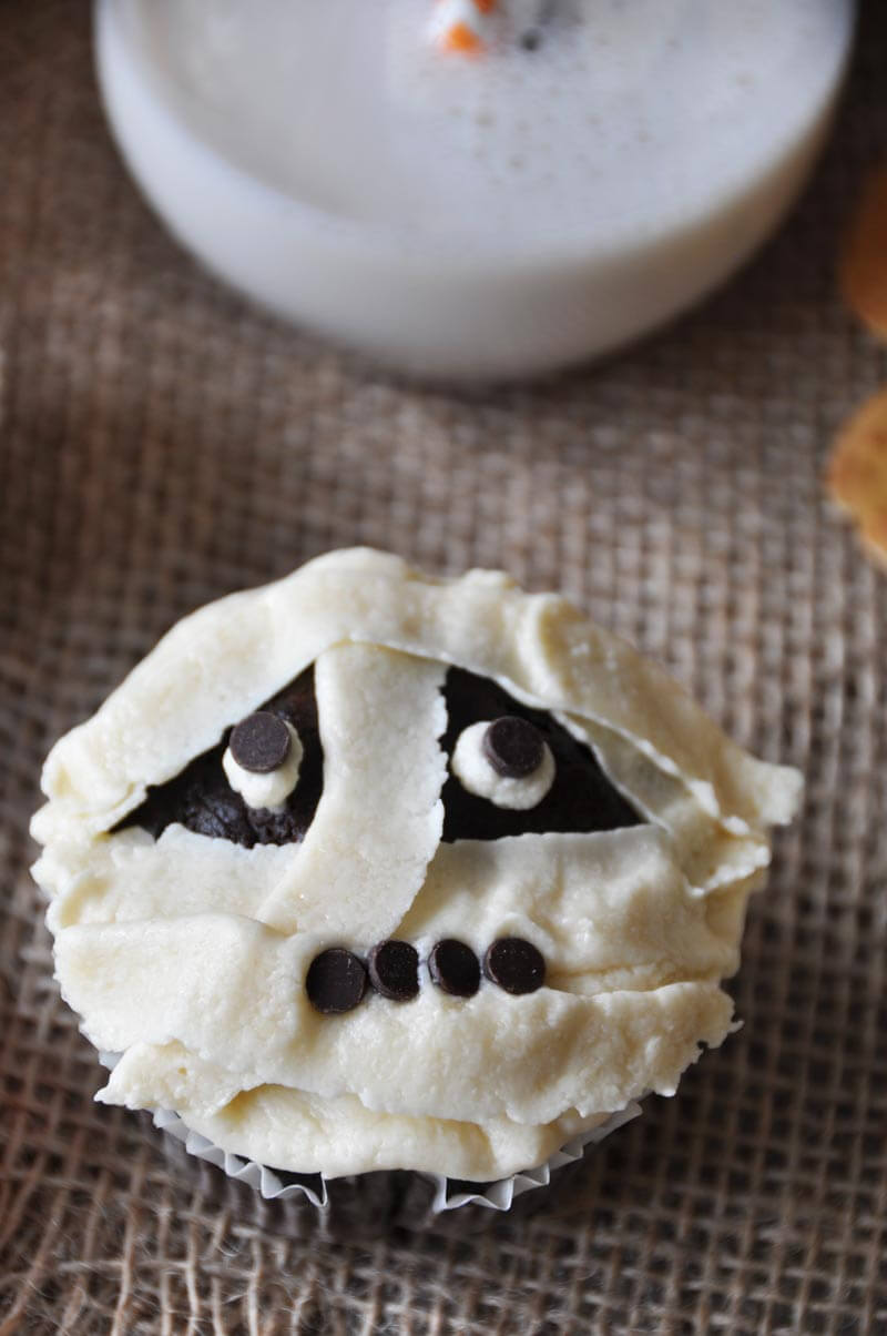 Vegan Chocolate Mummy Cupcakes