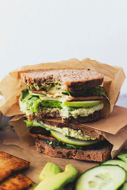 Vegan Green Sandwiches with Maple & Soy Crispy Tofu // The good ol' vegan BLT can't be missing from this list of course. This one has a surprising healthy little twist though. You will like it for sure! | The Green Loot #vegan #lunch