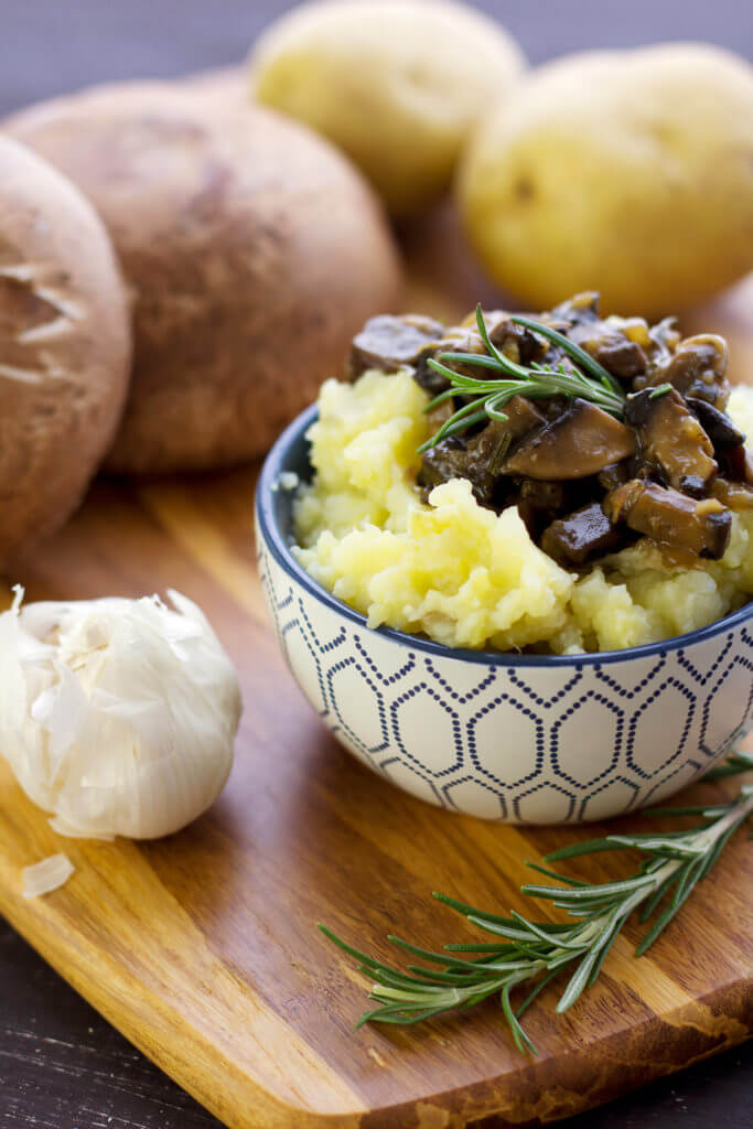 Cauliflower Mashed Potatoes with Mushroom Gravy