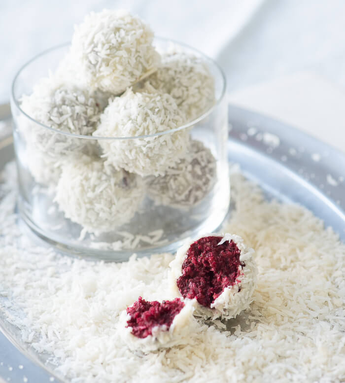 No-Bake Red Velvet Snowballs