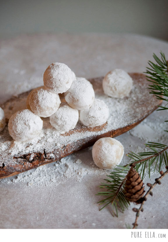 Vegan Amaretto Snowballs