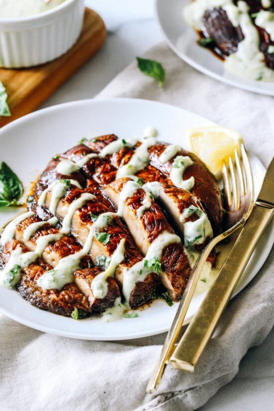 Vegan Portobello Steaks with Lemon Basil Aioli // Vegan Thanksgiving Dinner Recipes (Main Dish+Sides) | The Green Loot #vegan #Thanksgiving