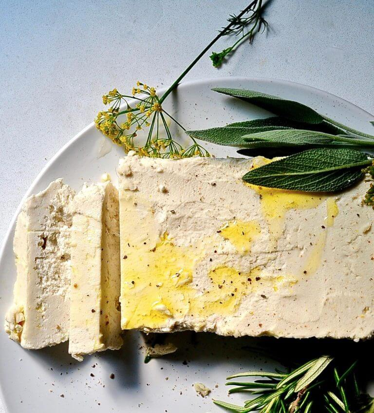 Vegan Almond Feta Cheese // Recipe for the vegan version of feta cheese. Originated in Greece, it's a soft cheese with a creamy texture and strong salty flavor. | The Green Loot #vegan #dairyfree