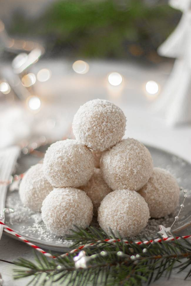 Rum & Coconut Snowballs (GF, No-Bake)