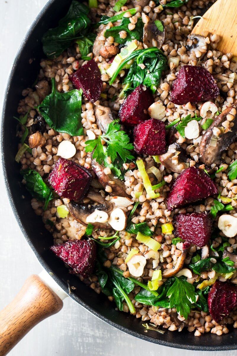 Vegan Warm Buckwheat and Beetroot Salad // Beetroot chunks and hazelnuts make this dish a delicious and exciting dinner. Full of iron and healthy fats, this recipe is a keeper. | The Green Loot #vegan #cleaneating #weightloss