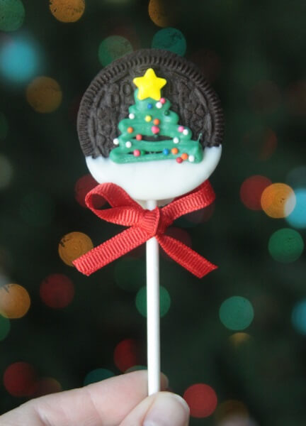 Vegan Christmas Tree Oreos