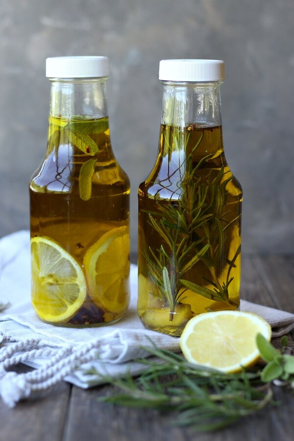 Vegan Rosemary, Lemon Infused Olive Oil // A good quality olive oil can be made into a gift-worthy bottle if you infuse it with some tasty ingredients. Foodie friends in advantage. | The Green Loot #vegan #christmas