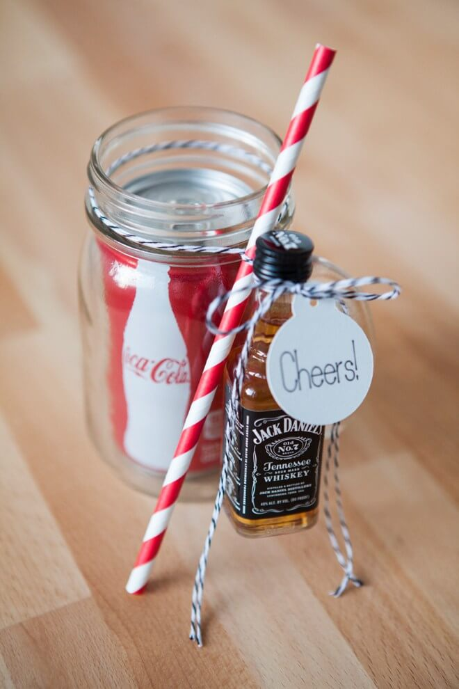 Vegan Masor Jar Soda Whiskey Cocktail Gift // A fun little boozy treat for adults only! This one is really a fool-proof gift to give anyone over 18. | The Green Loot #vegan #christmas