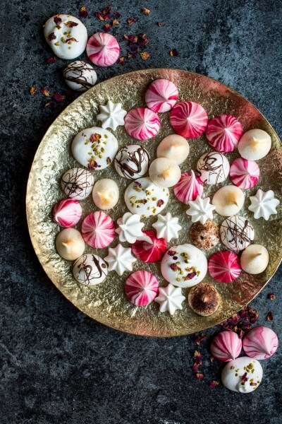 Vegan Festive Meringue Kisses
