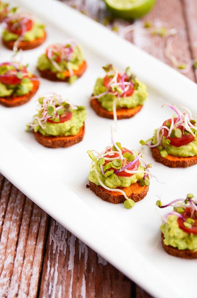 Vegan Sweet Potato Avocado Bites // These bites are so divine that you could never tell they are healthy and clean eating. An awesome way to sneak a little nutrition in to your party. | The Green Loot #vegan #partyideas