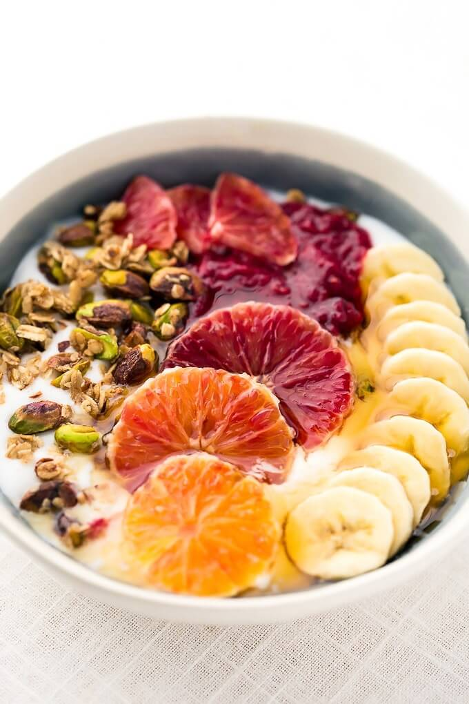 Vegan Breakfast Power Bowls // This bowl is the power boost you need next to your morning cup of coffee. We're not saying it makes you invincible, but it comes close. | The Green Loot #vegan #healthy