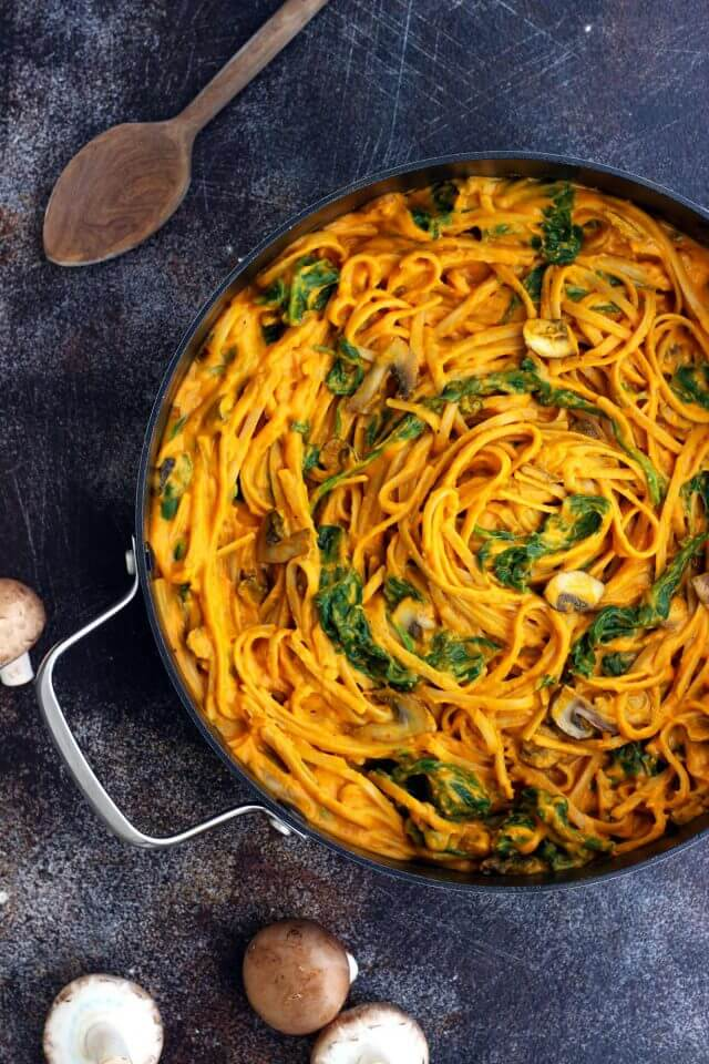 Vegan Pumpkin Pasta with Mushrooms