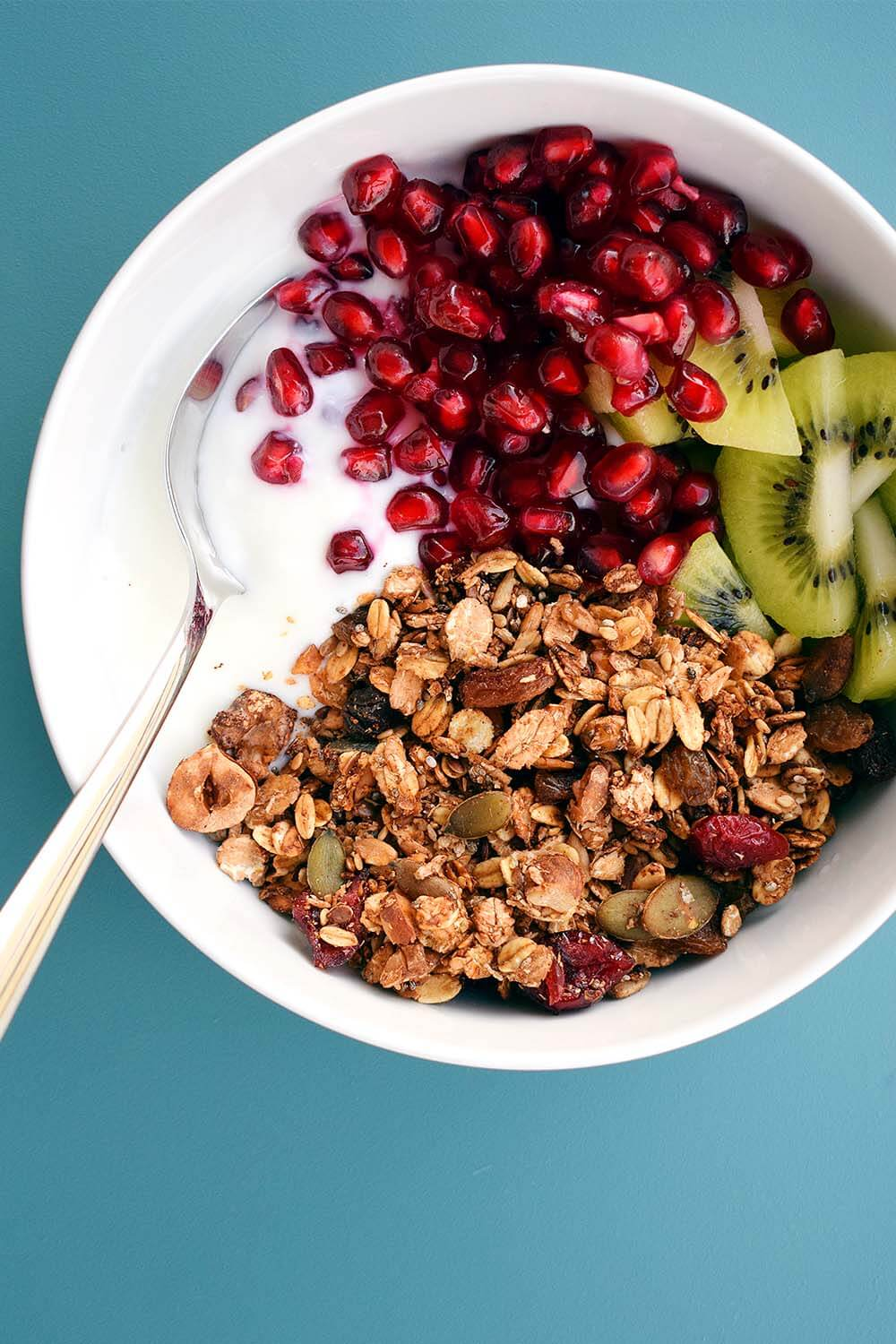 Vegan Granola with Kiwi and Pomegranate