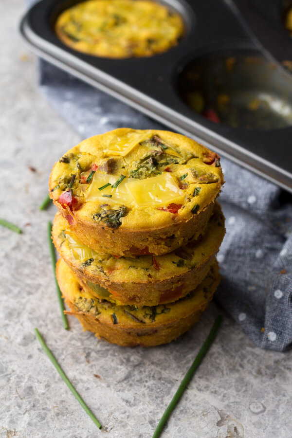 Vegan Chickpea Flour Omelette Muffins // The king of savory breakfast is vegan omelette for sure. It's super filling since it's full of protein. | The Green Loot #vegan #cleaneating #weightloss