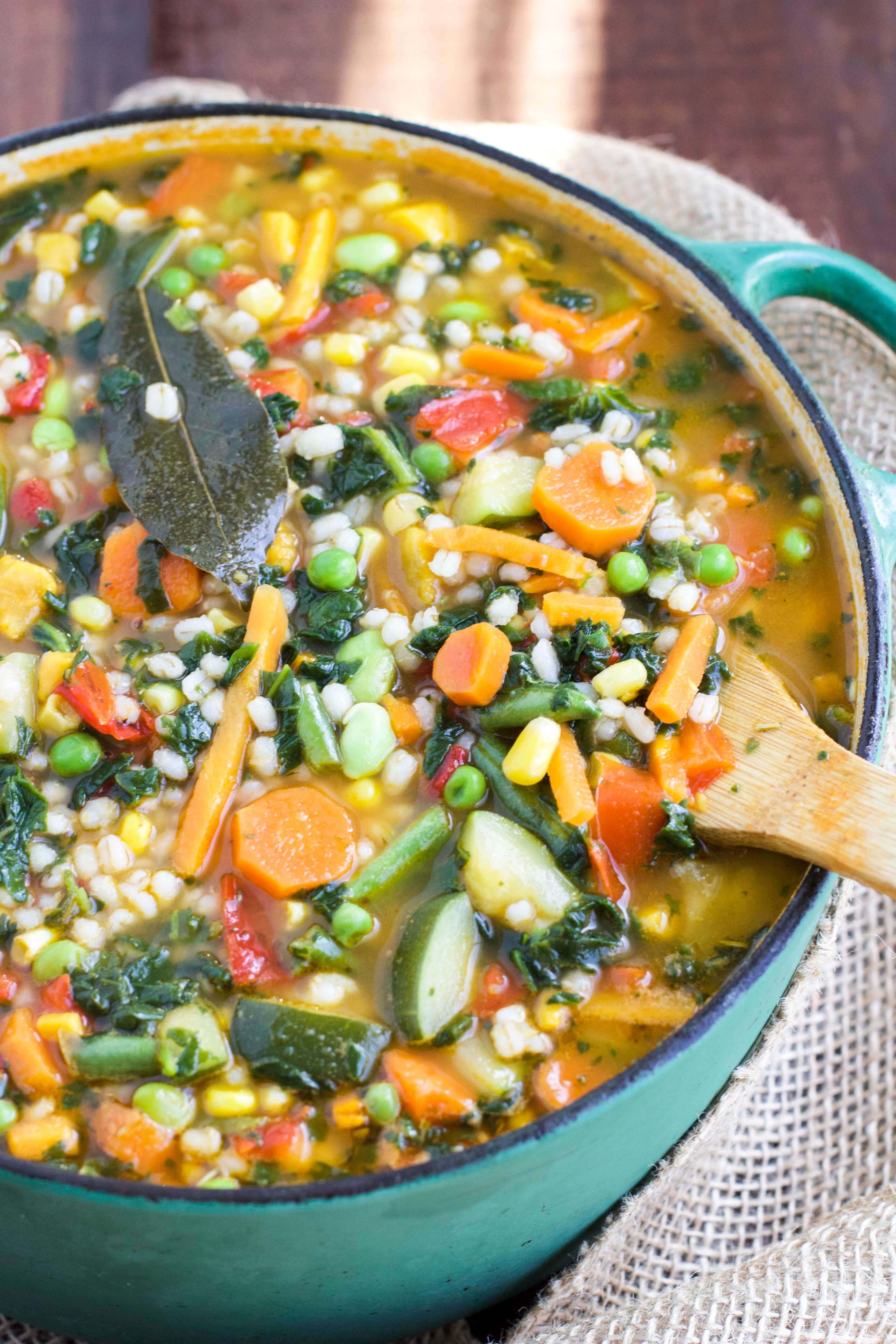 30-minute Garden Veggie Barley Soup