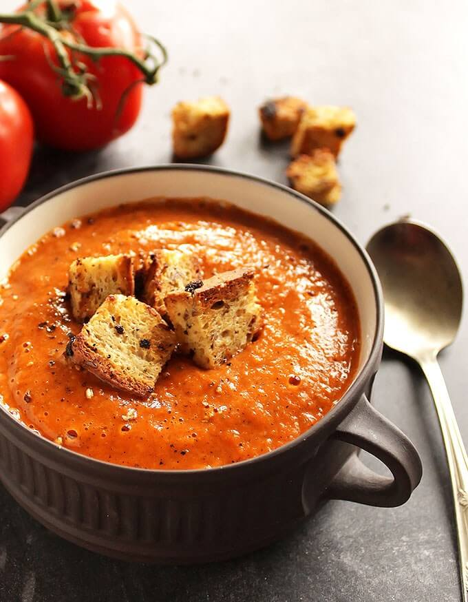 Vegan Roasted Tomato and Red Pepper Soup