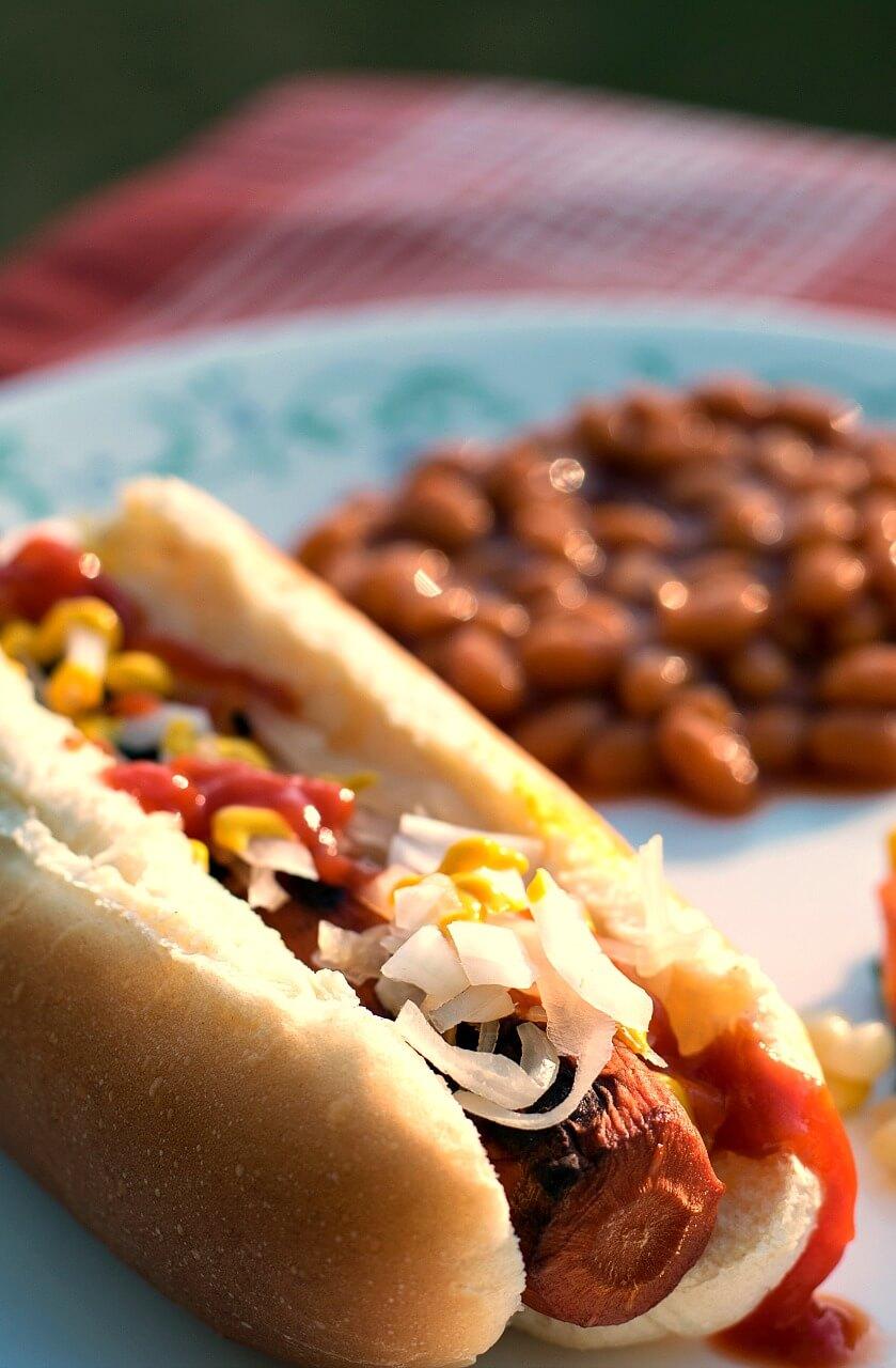 Vegan Smoky Carrot Dogs // | The Green Loot #vegan #MeatlessMonday #dairyfree