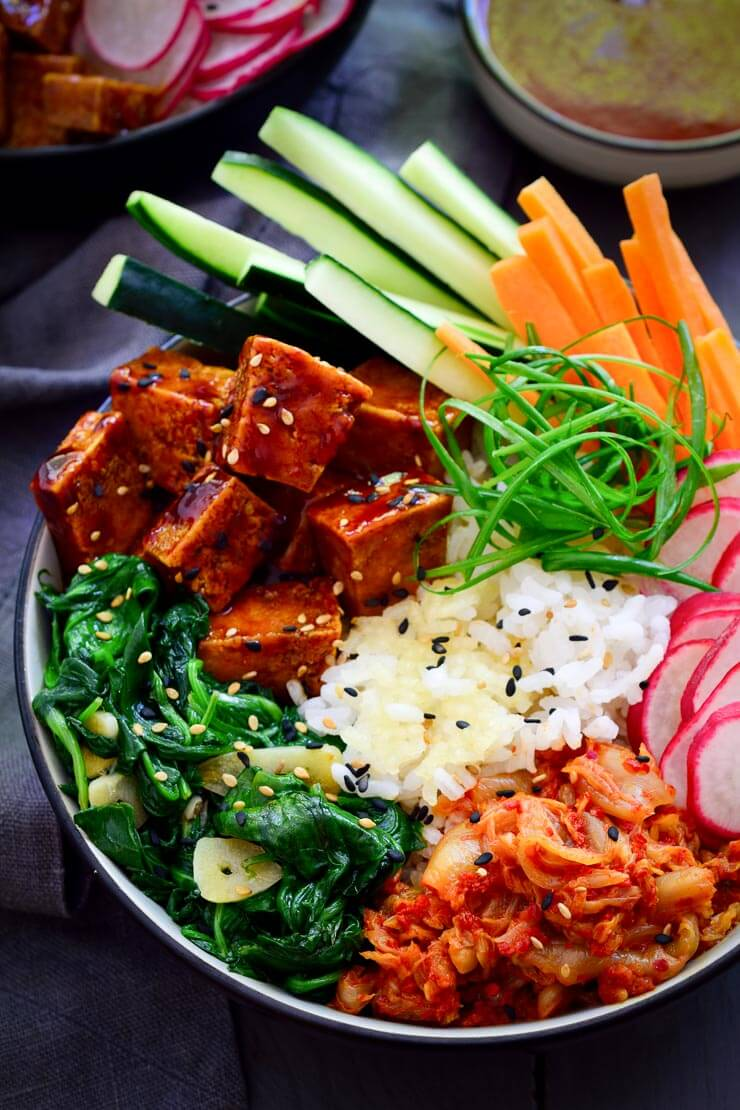 Vegan Bibimbap with Crispy Rice // | The Green Loot #vegan #MeatlessMonday #dairyfree