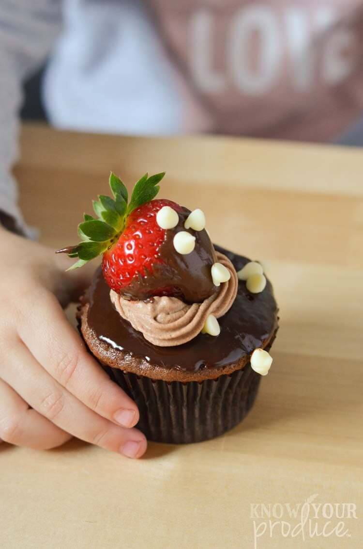 Vegan Chocolate Covered Strawberry Cupcakes