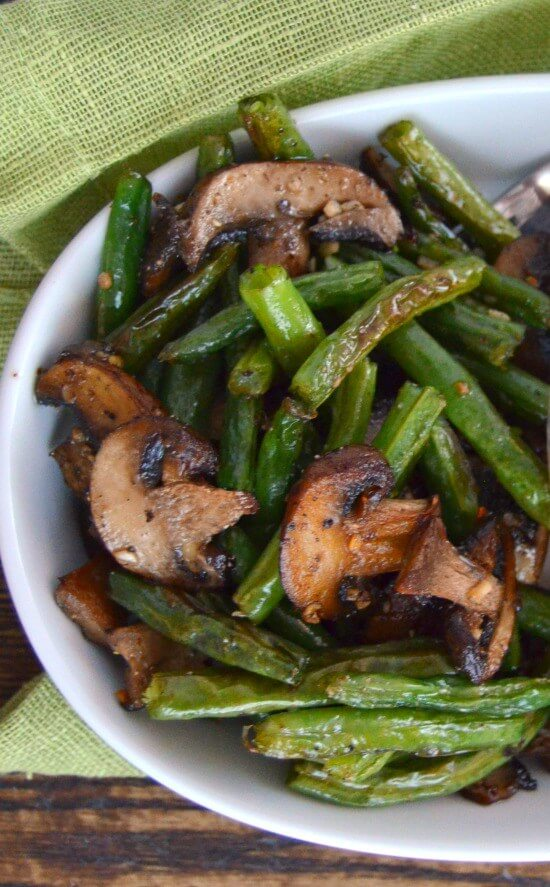 Vegan Garlic Roasted Green Beans and Mushrooms
