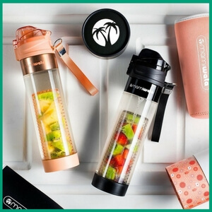 Fruit Infuser Water Bottle - Must-Have Kitchen Appliances and Gadgets for Vegans | The Green Loot #vegan #kitchen