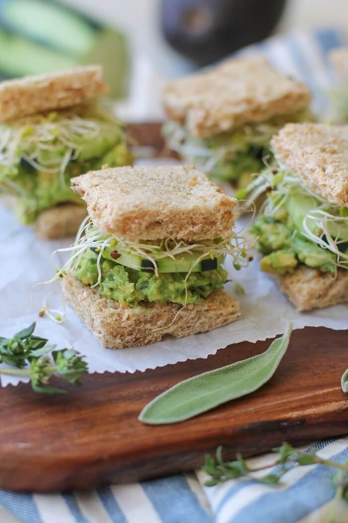 Vegan Avocado Finger Sandwiches | The Green Loot #vegan #brunch