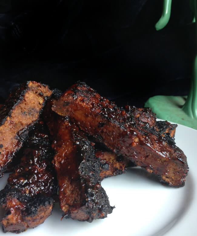 Vegan BBQ Ribs (Seitan) with Spicy BBQ Sauce