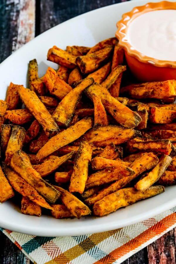 Vegan Spicy Sweet Potato Fries // | The Green Loot #vegan