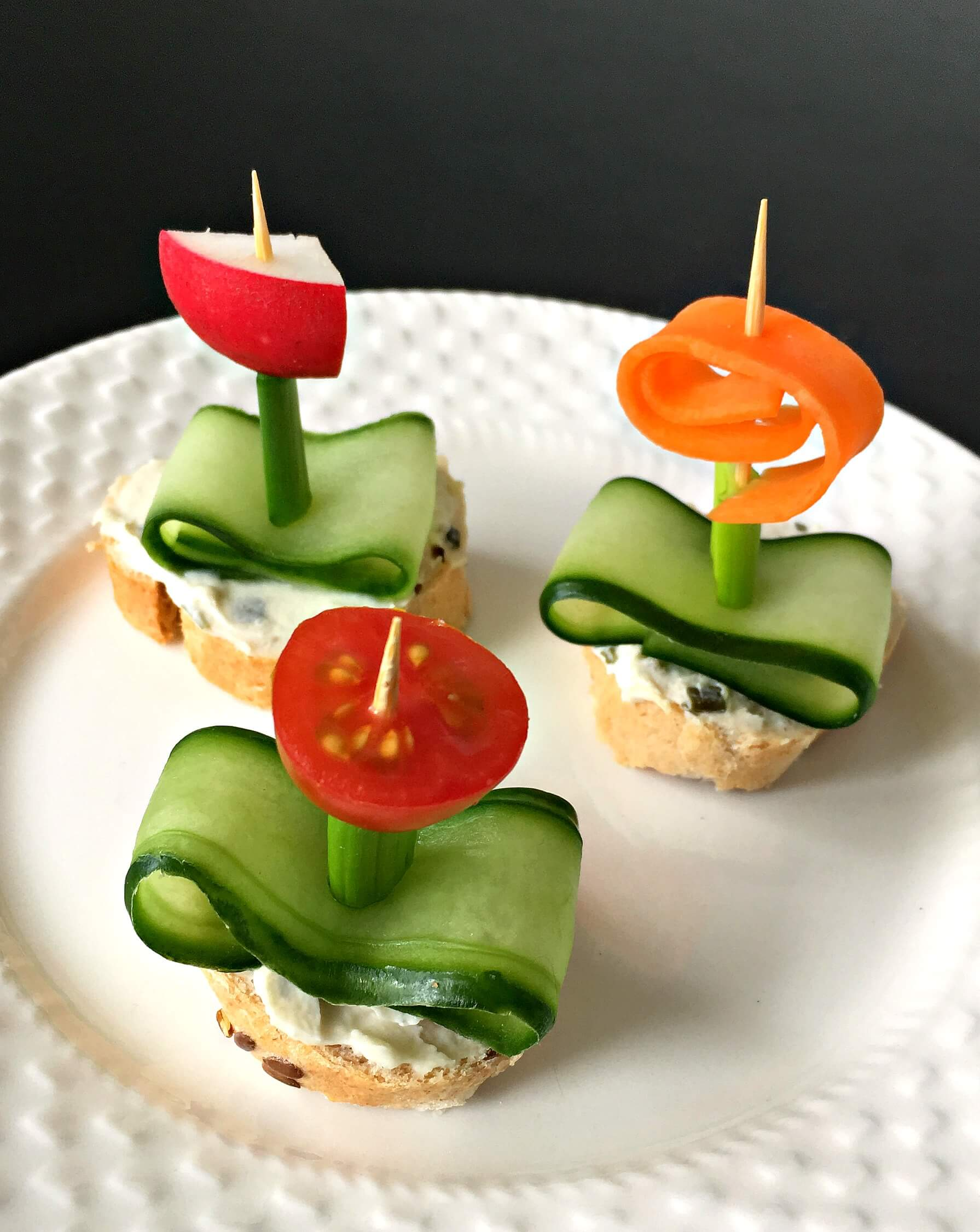 "Make these cute Vegan Flower Appetizers with Herb ""Cream Cheese"" for any occasion or party! Tasty, easy and healthy finger food. Kids will love it too! 