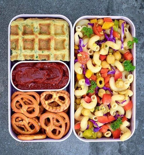 Vegan Pasta Salad and Waffles | The Green Loot #vegan #bento