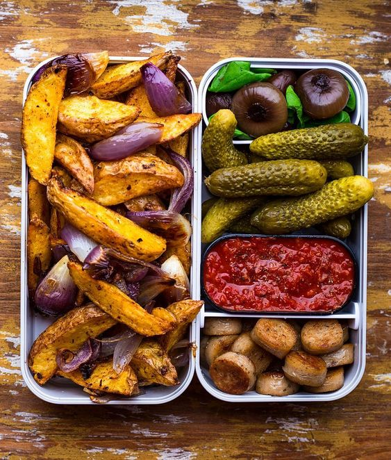 Vegan Roasted Potatoes and Onion | The Green Loot #vegan #bento