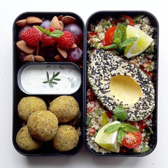 Vegan Quinoa Tabbouleh with Falafels | The Green Loot #vegan #bento