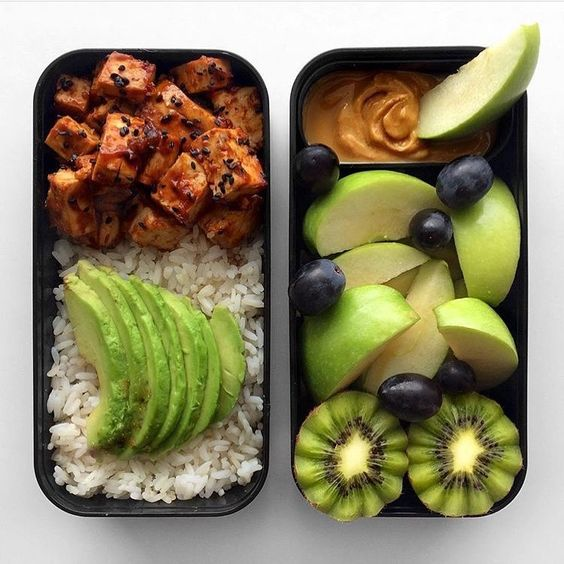 Vegan Marinated Tofu, Fruit and Nut Butter Snack | The Green Loot #vegan #bento