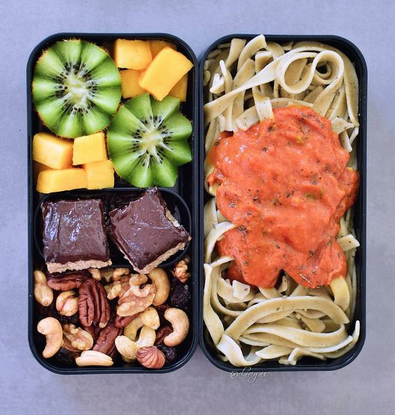 Vegan Garlic Jalapeno Pasta with Brownies | The Green Loot #vegan #bento