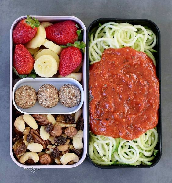Vegan Spiralized Zucchini Spaghetti | The Green Loot #vegan #bento
