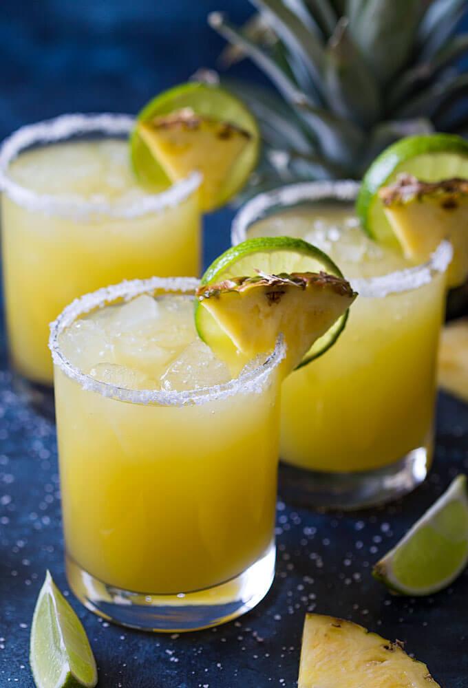 Vegan Pineapple Margarita | The Green Loot #vegan #cincodemayo