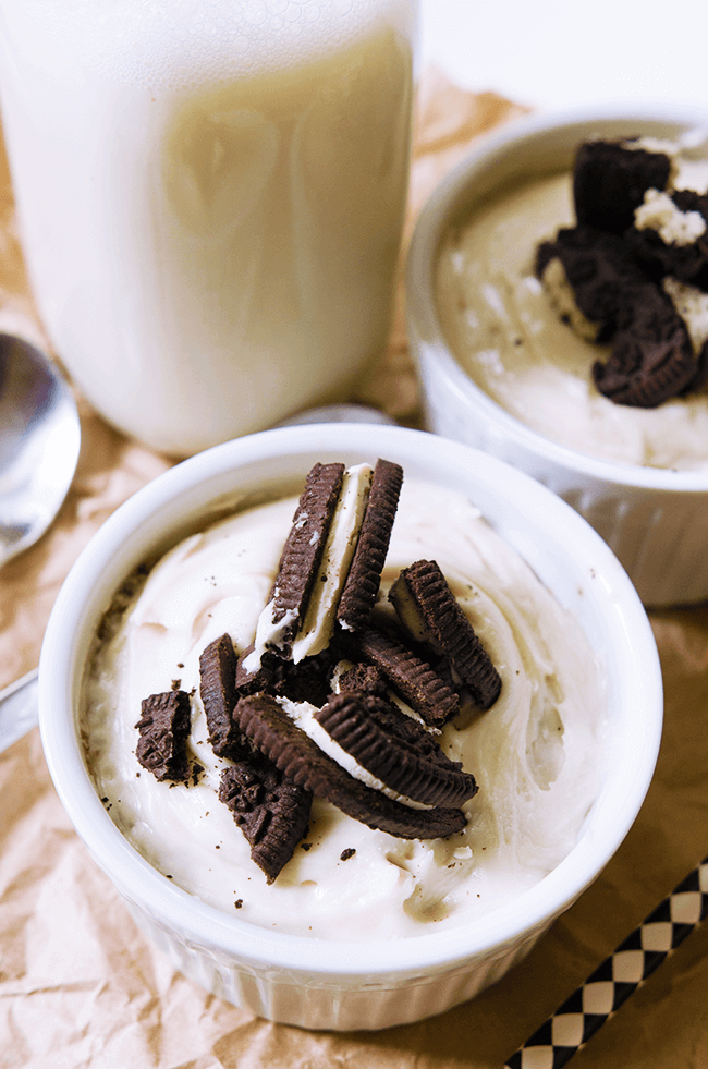 Vegan Cookies and Cream Mug Cake | The Green Loot #vegan #mugcake