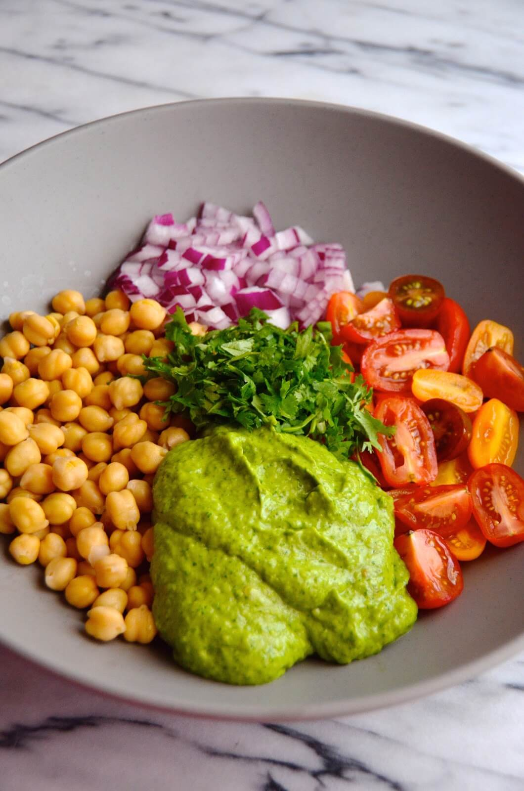 Raw Vegan Guacamole Chickpea Salad with Cilantro-Avocado Dressing | #raw #vegan